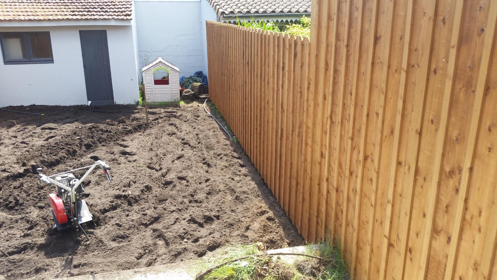 Installateur de clôtures en bois